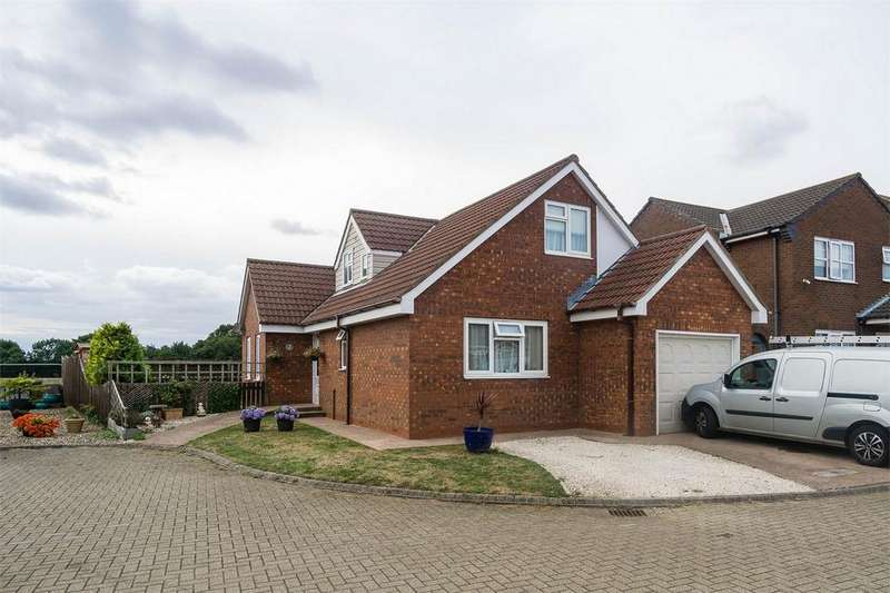 3 Bedrooms Detached House for sale in Owthorne Grange, WITHERNSEA, East Riding of Yorkshire