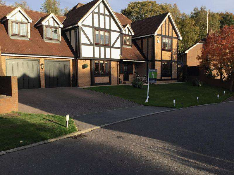 4 Bedrooms Detached House for sale in Wordsworth Way, Bingley
