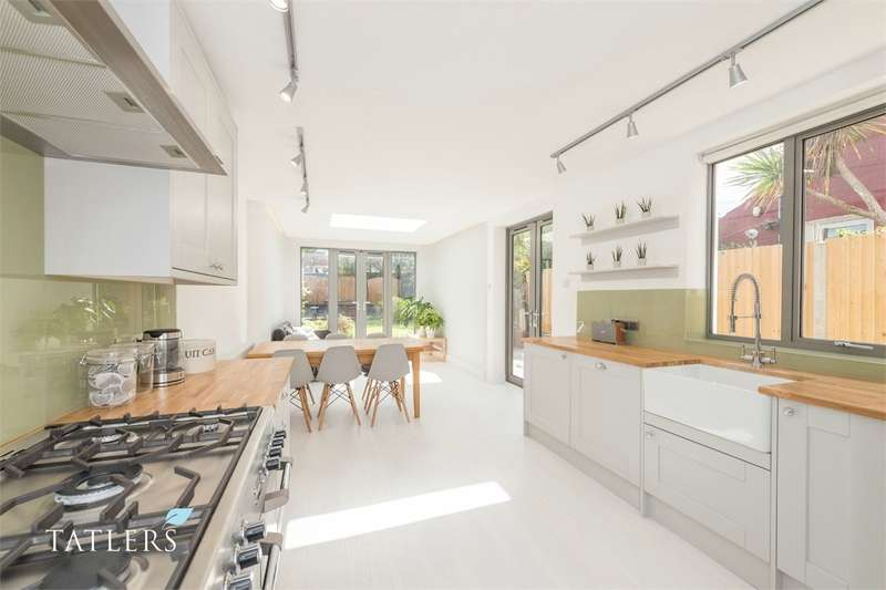 5 Bedrooms Semi Detached House for sale in Bedford Road, East Finchley, London