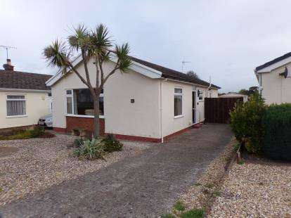 2 Bedrooms Bungalow for sale in Troon Way, Abergele, Conwy, North Wales, LL22