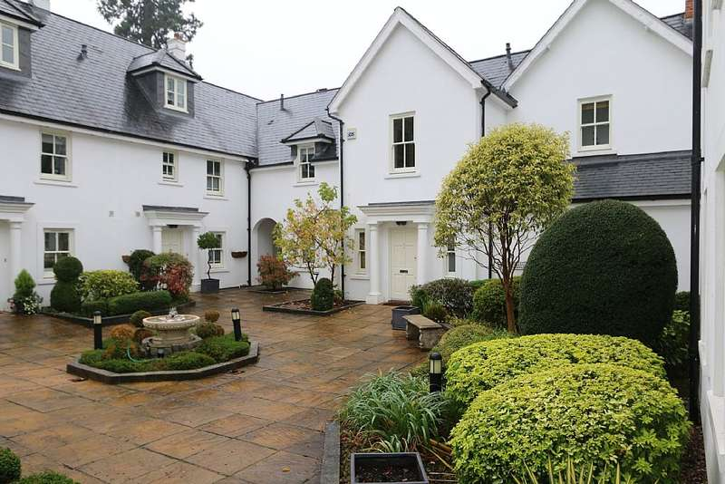 2 Bedrooms Flat for sale in Heronsbrook, Buckhurst Road, Ascot, Berkshire, SL5