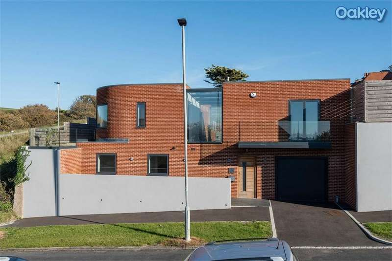 5 Bedrooms Detached House for sale in Cliff Approach, Roedean, Brighton, East Sussex