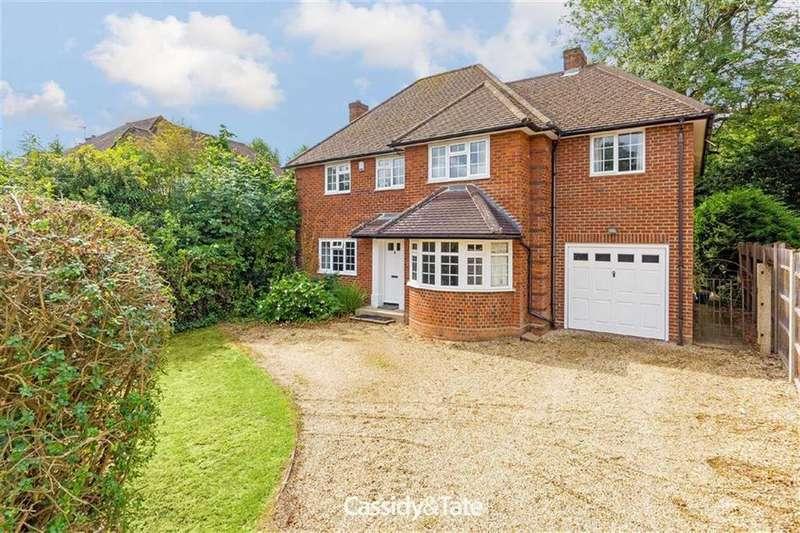 5 Bedrooms Detached House for sale in Gurney Court Road, St Albans, Hertfordshire