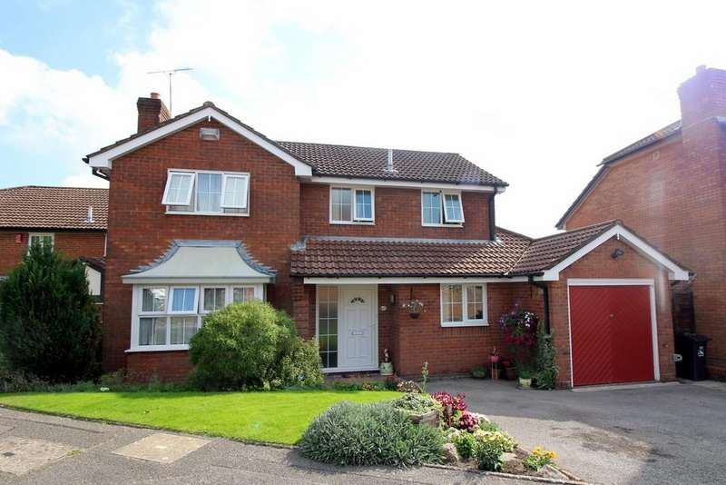 4 Bedrooms Detached House for sale in Pilsdon Drive, Canford Heath