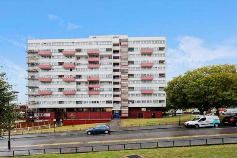 5 Bedrooms Ground Maisonette Flat for sale in Hedgers Grove, London, E9