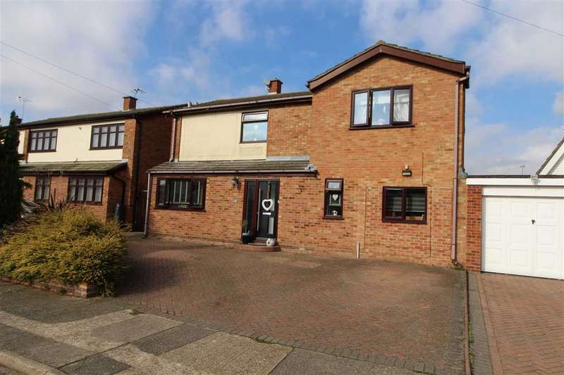 5 Bedrooms Detached House for sale in St. Monance Way, St. Johns, Colchester