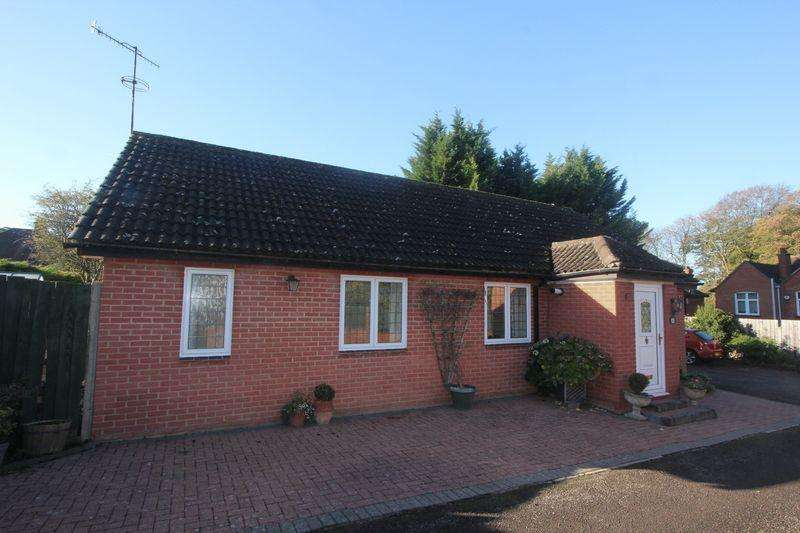 3 Bedrooms Detached Bungalow for sale in Old Bedford Road Bungalow