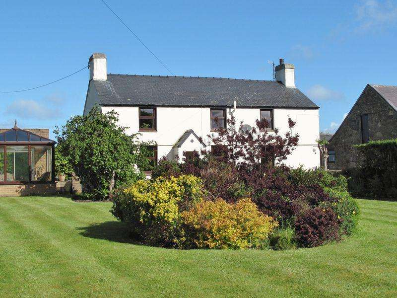 4 Bedrooms Farm House Character Property for sale in Caeathro, Gwynedd