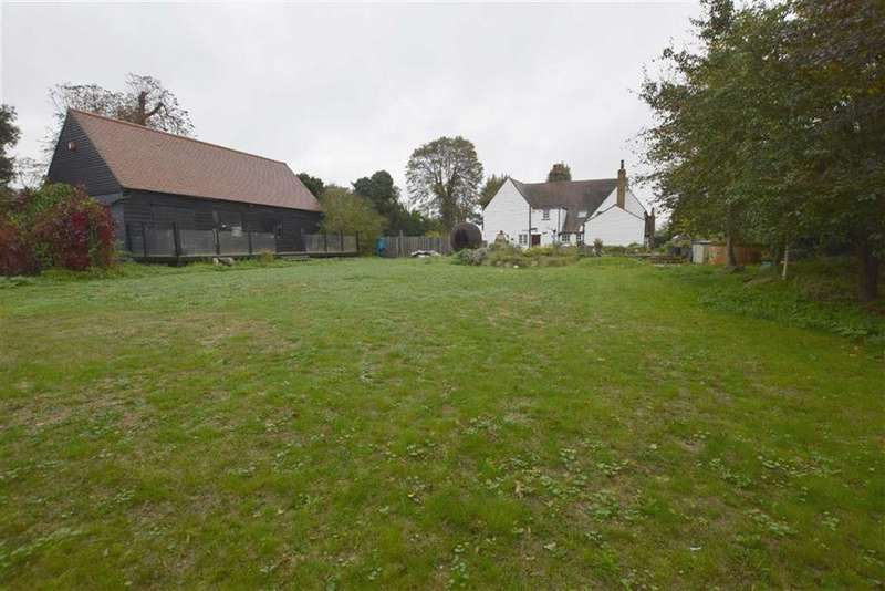 5 Bedrooms Detached House for sale in Church Road, Corringham, Essex