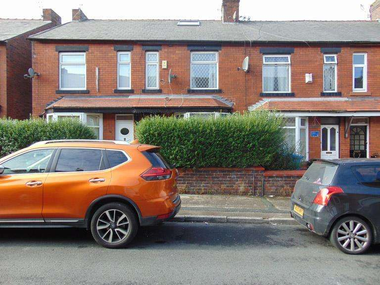 4 Bedrooms Terraced House for sale in 56 Hollinhall Street, Clarksfield, Oldham