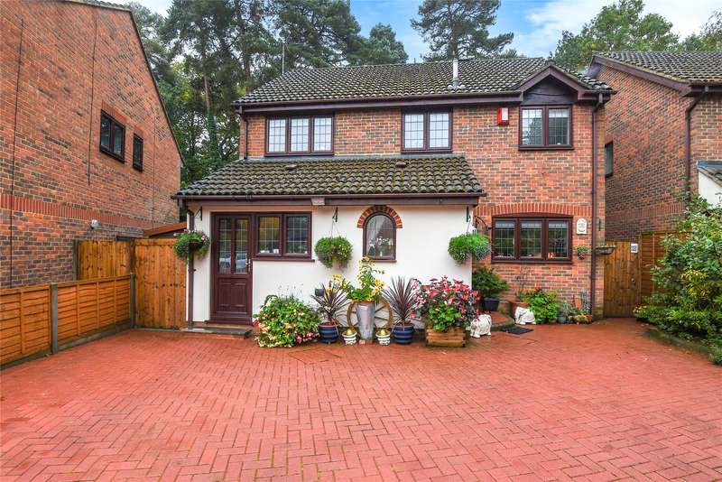 4 Bedrooms Detached House for sale in Holme Close, Crowthorne, Berkshire, RG45