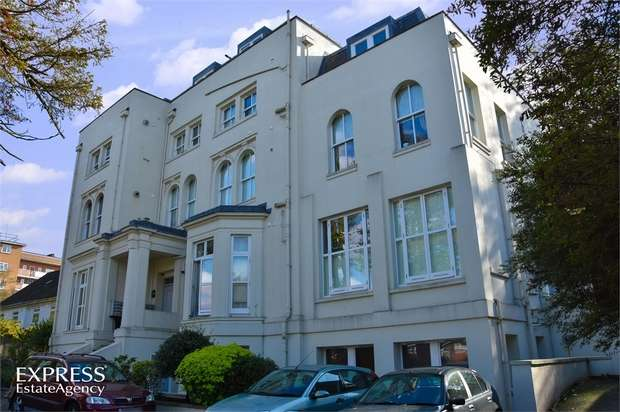 2 Bedrooms Flat for sale in 28 Crescent Wood Road, London