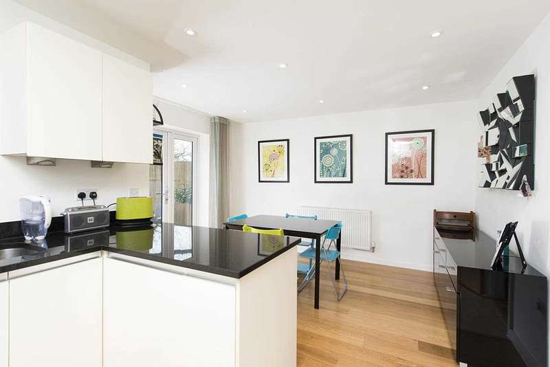 4 Bedrooms Semi Detached House for sale in Thirleby Road, Mill Hill