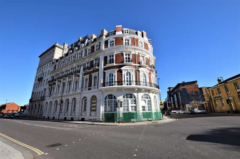 4 Bedrooms Flat for sale in South Western House, Southampton, SO14 3AL