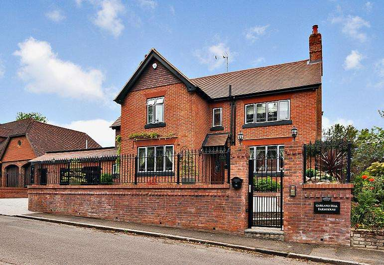 4 Bedrooms Detached House for sale in Chapman's Lane, Orpington , Orpington