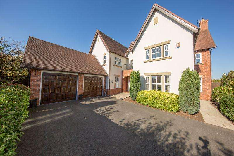 5 Bedrooms Detached House for sale in Kingsdown Close, Weston, Cheshire