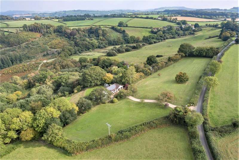 3 Bedrooms Detached House for sale in School House, Thorncombe, Dorset, TA20