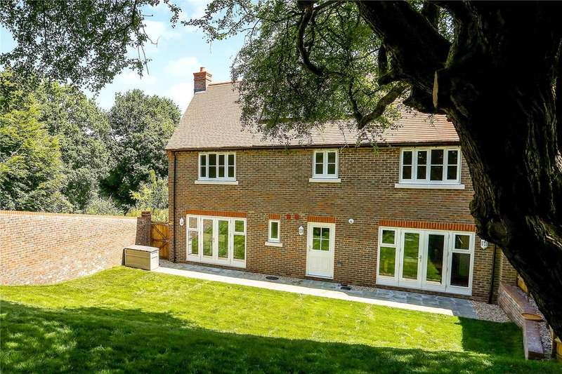 4 Bedrooms Semi Detached House for sale in Tanners Reach, Petersfield, Hampshire, GU32