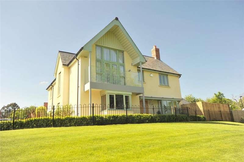 4 Bedrooms Detached House for sale in Watlington Gardens, Great Warley, Brentwood, Essex, CM13