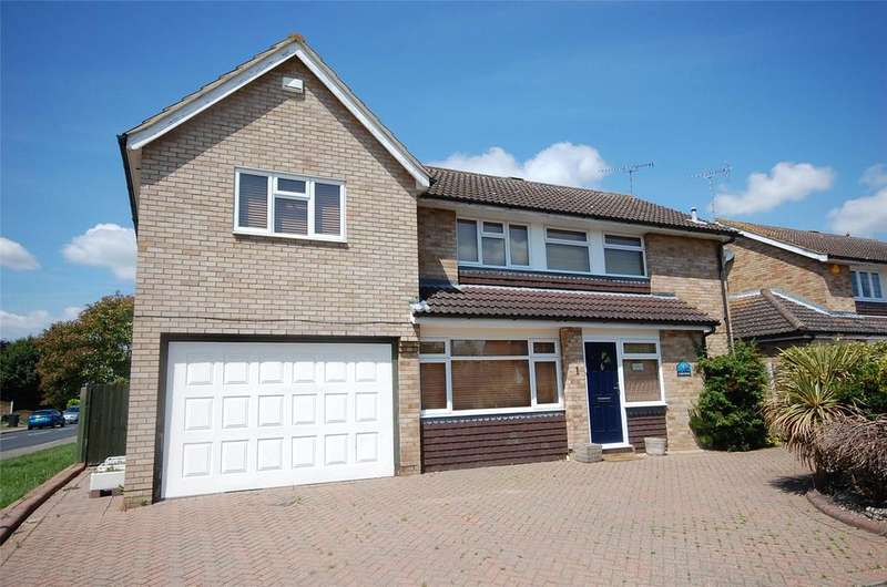 5 Bedrooms Detached House for sale in Longfield Road, South Woodham Ferrers, Essex, CM3