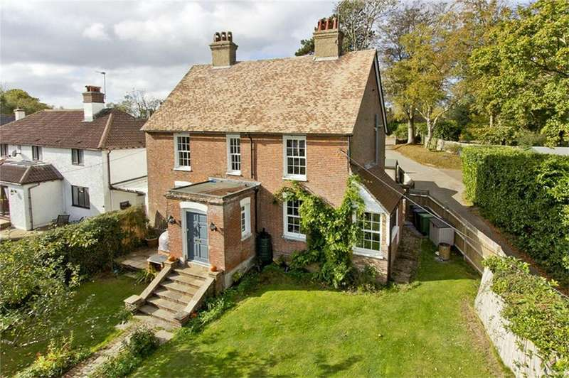 5 Bedrooms Detached House for sale in Caldbec Hill, BATTLE, East Sussex