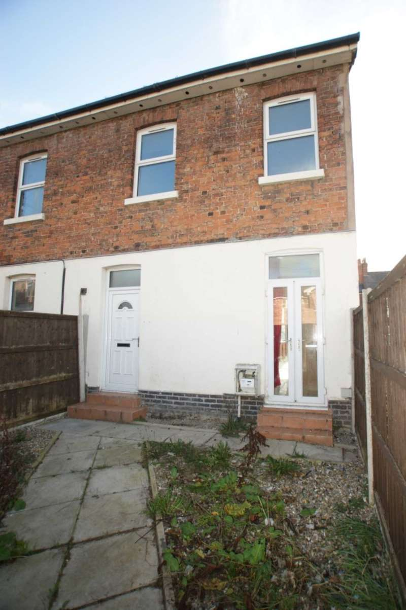 2 Bedrooms Semi Detached House for sale in Church Street, Connah`s Quay, Flintshire. CH5 4AR