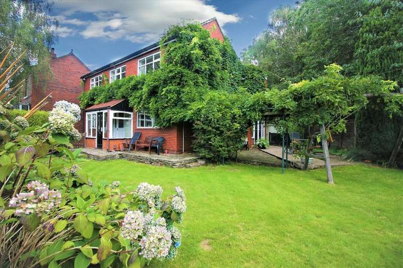 4 Bedrooms Detached House for sale in Bradshaw Road, Bradshaw, BOLTON, BL2
