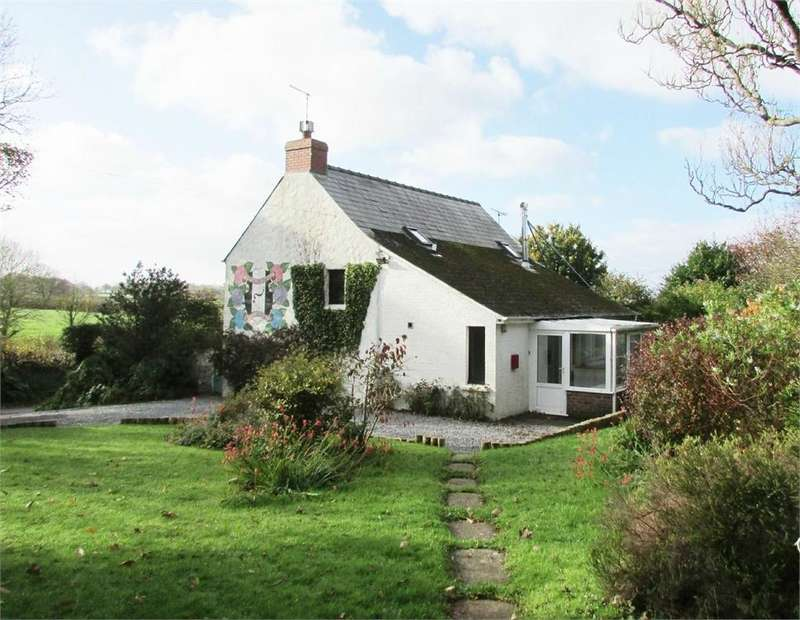 3 Bedrooms Detached House for sale in Walton East, CLARBESTON ROAD, Pembrokeshire