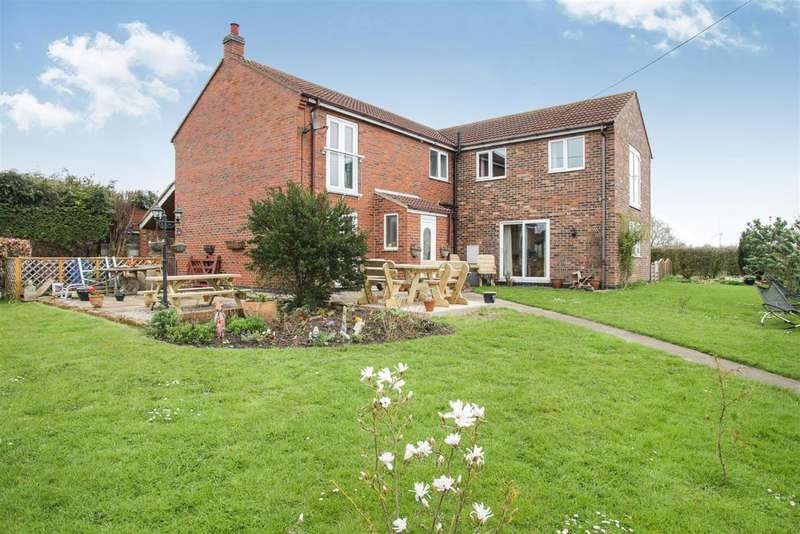 5 Bedrooms Detached House for sale in Coteview, Pratts Lane, Withernwick, Hull, HU11 4TQ
