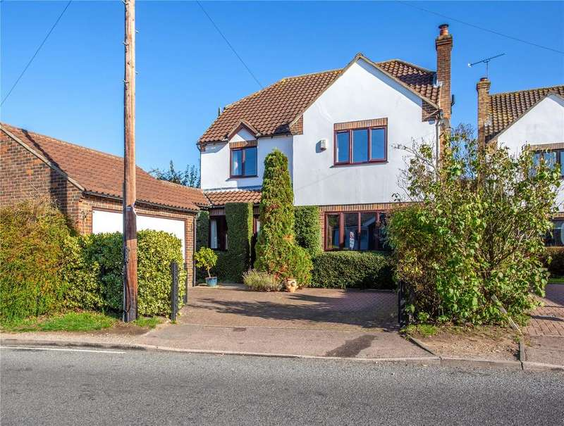 4 Bedrooms Detached House for sale in Coopersale Common, Coopersale, Epping, Essex, CM16
