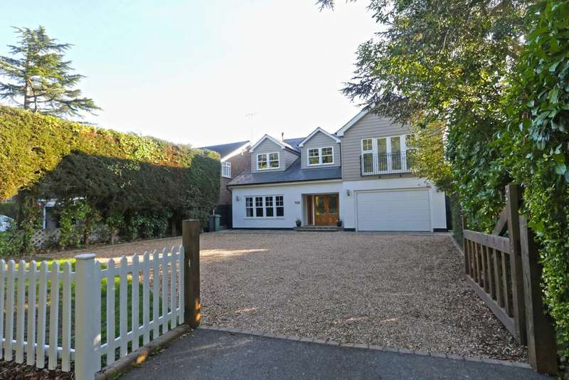 4 Bedrooms Detached House for sale in Bramble Road, Hadleigh SS7