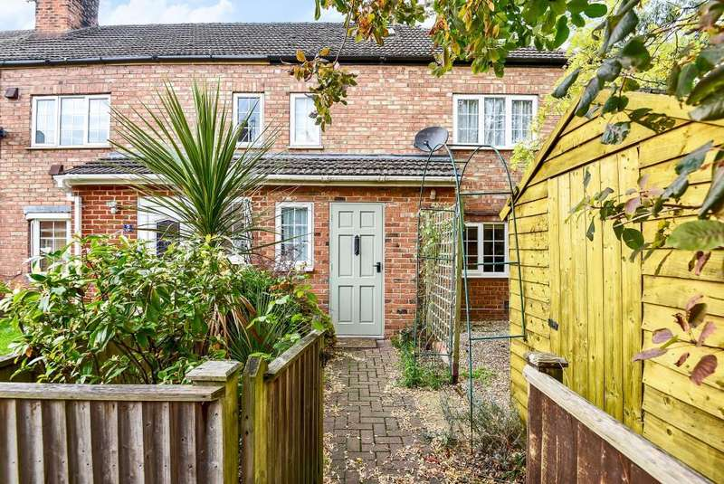 2 Bedrooms House for sale in Kennet Place, Newbury, RG14