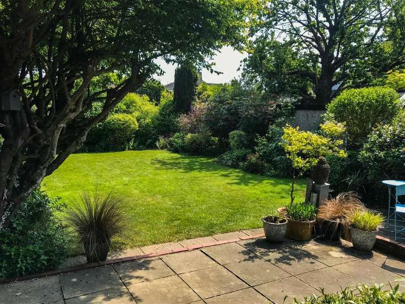 4 Bedrooms Detached Bungalow for sale in Thunder Lane, Norwich