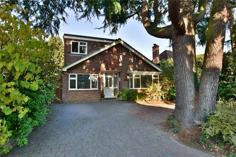 4 Bedrooms Detached House for sale in Heronsgate Road, Chorleywood, Hertfordshire, WD3