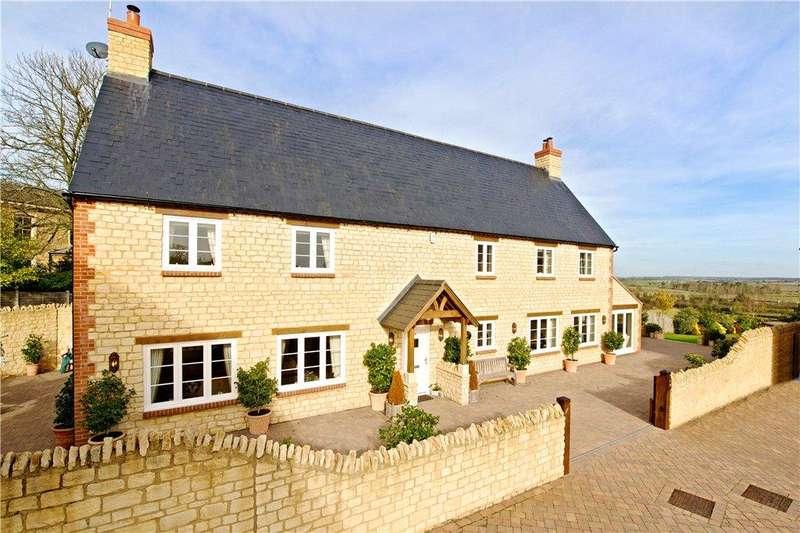 5 Bedrooms Detached House for sale in Franklin Court, Yardley Gobion, Towcester, Northamptonshire
