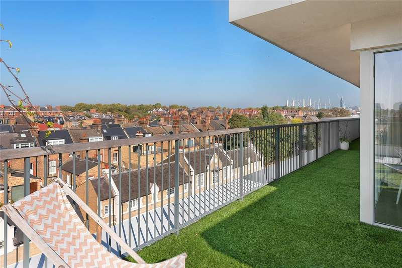 3 Bedrooms Flat for sale in Rutherford House, 483 Battersea Park Road, Battersea, London, SW11