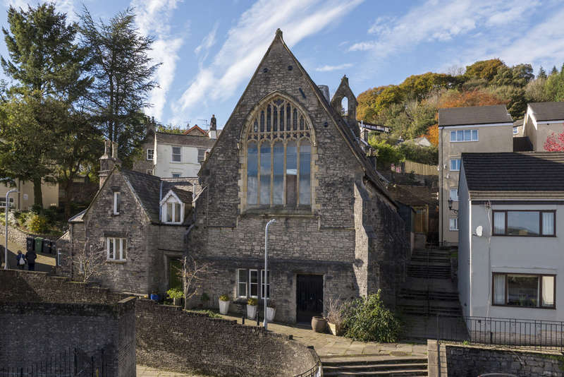 3 Bedrooms End Of Terrace House for sale in Allhallows Church House, Kendal - Unique