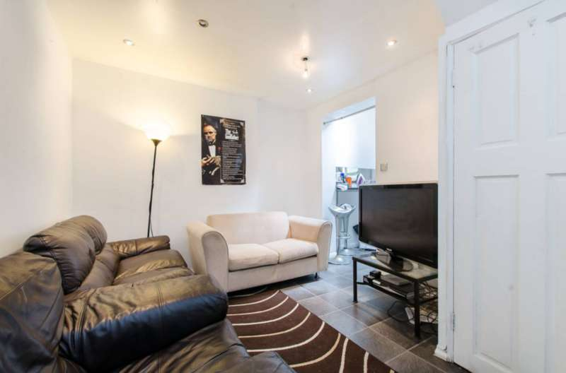 3 Bedrooms Terraced House for sale in Nursery Road, Brixton, SW9
