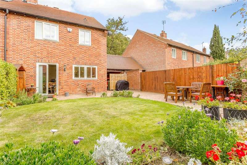 3 Bedrooms Semi Detached House for sale in Manor Close, Harpenden, Hertfordshire