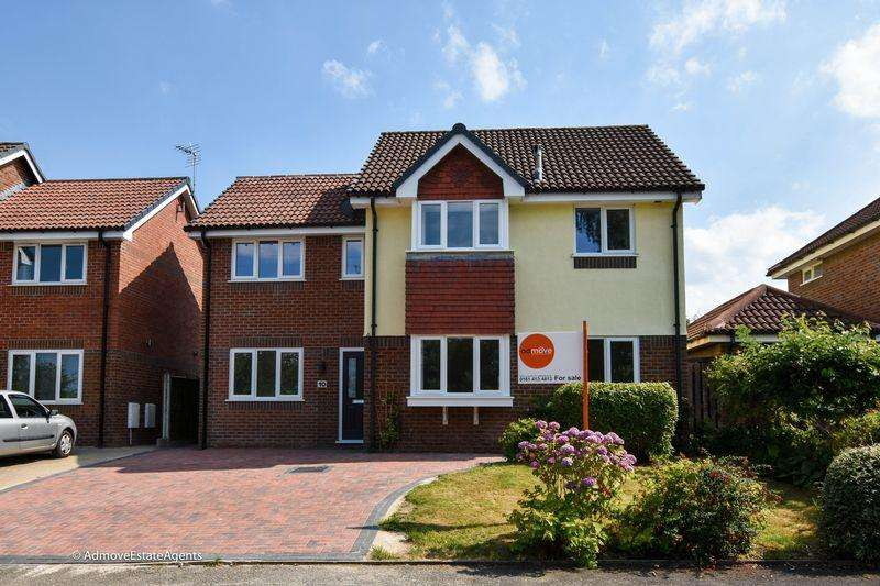 4 Bedrooms Detached House for sale in Yeoford Drive, Altrincham