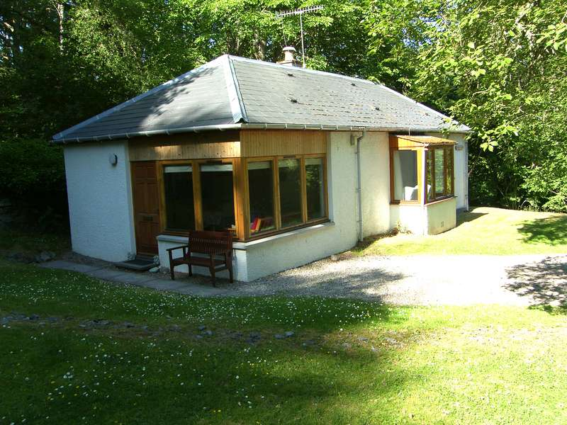 2 Bedrooms Cottage House for sale in Kingussie, PH21 1EX