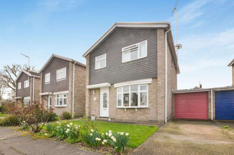 3 Bedrooms Detached House for sale in Wells Road, Colchester,CO1 2YN