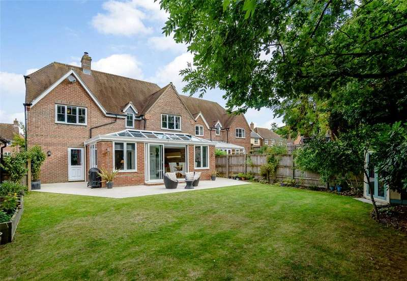 4 Bedrooms Detached House for sale in Haysoms Drive, Greenham, Thatcham, Berkshire, RG19