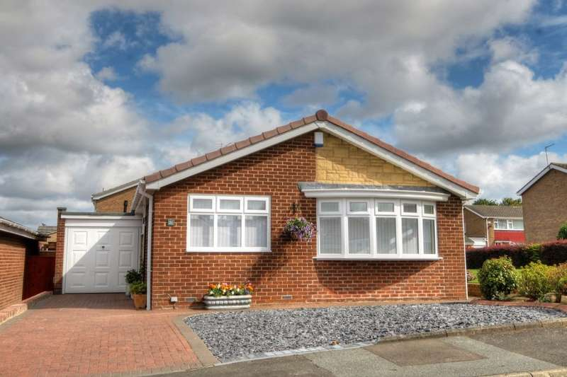 2 Bedrooms Detached Bungalow for sale in Garner Close, Chapel Park, Newcastle Upon Tyne, NE5