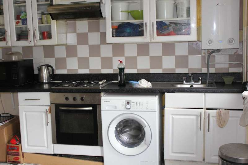 3 Bedrooms Apartment Flat for sale in Ryder Drive, Bermondsey, SE16 3BB
