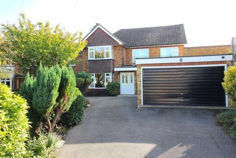 5 Bedrooms Detached House for sale in Well Lane, Galleywood, Chelmsford, Essex, CM2