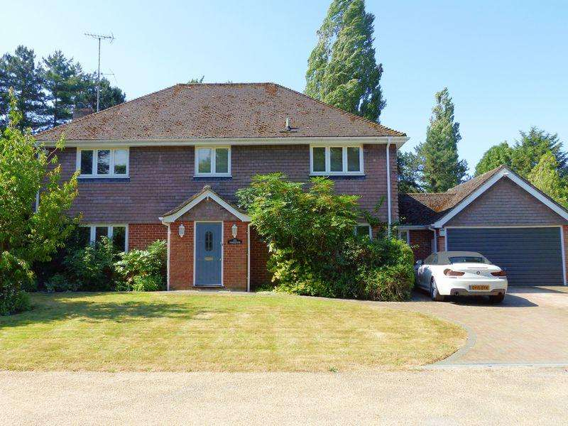 5 Bedrooms Detached House for sale in Bourne End-Riversdale