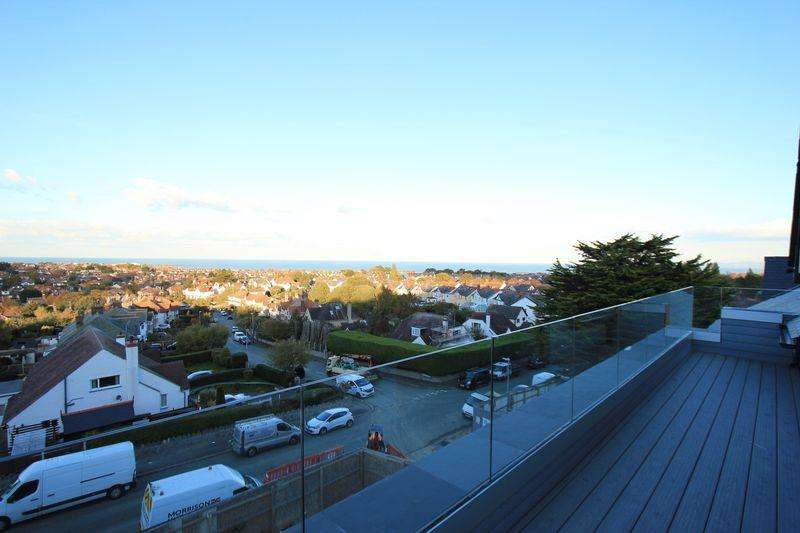 3 Bedrooms Penthouse Flat for sale in Victoria Park, Colwyn Bay