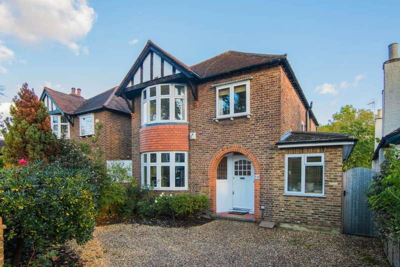 4 Bedrooms Detached House for sale in Gloucester Road, Hampton, TW12