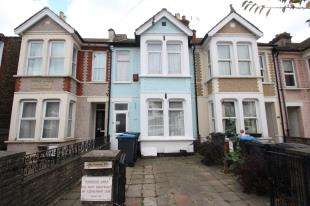3 Bedrooms Terraced House for sale in Mansfield Road, South Croydon